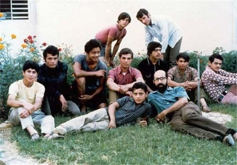 شهید چمران در دانشگاه کالیفرنیا منتشر شده توسط رزمندگان
